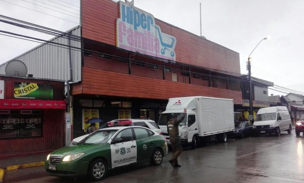 Administrador de supermercado en Mariquina resultó herido cuando ...